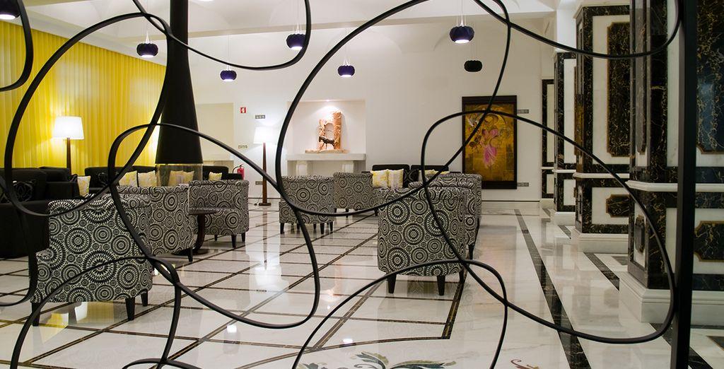 Vous aurez le privilège de loger dans un 5* design membre du cercle confidentiel des Small Luxury Hotel of The World