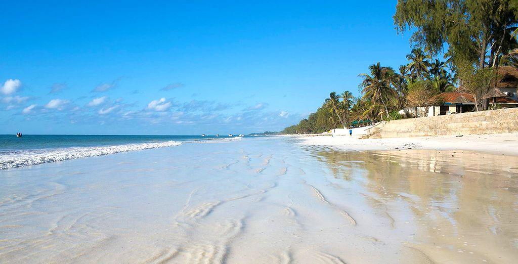Tout commence sur la plage de Diani