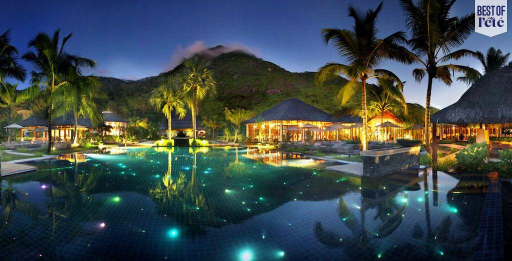 Nuit étoilée, cocotiers et mer turquoise... On vous emmène découvrir ce petit paradis ? - Hôtel Hilton Seychelles Labriz 5*  Mahe Island
