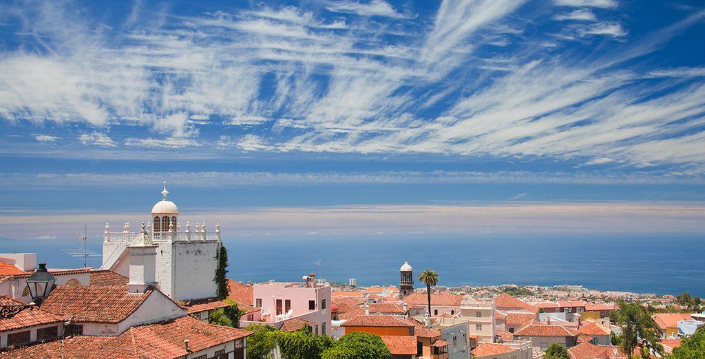 Visitez les villages de charme comme Puerto de la Cruz...