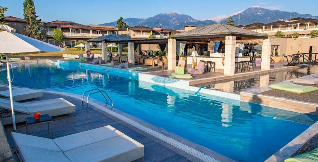 Les piscines, extérieures...