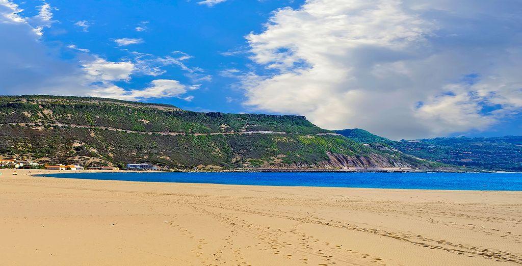 Puis rejoignez les belles étendues de sable