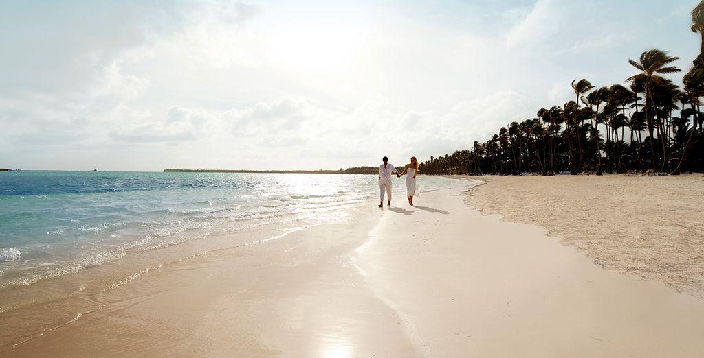 Main dans la main sur la plage...