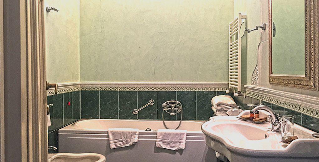 Découvrez une salle de bain parfaitement équipée