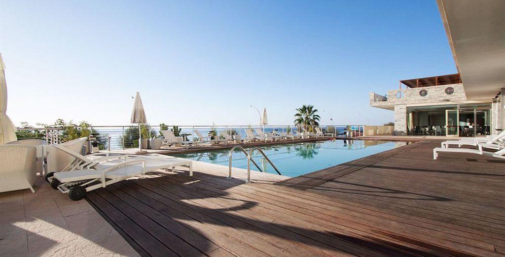Le Main Palace Hotel 4* vous ouvre ses portes pour un séjour de détente et de découvertes