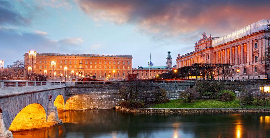 Et terminez par une visite du magnifique Palais Royal...