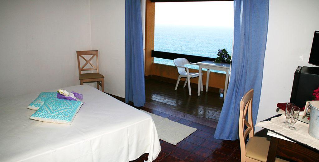 Et dotée d'un balcon ouvert sur la mer !