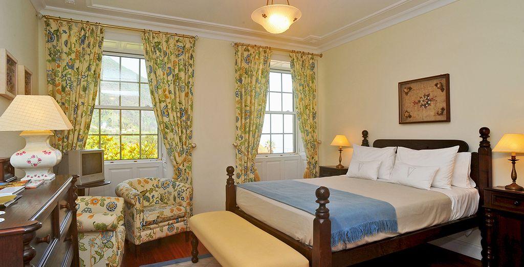 Durant votre séjour, installez-vous en chambre Supérieure, au style traditionnel
