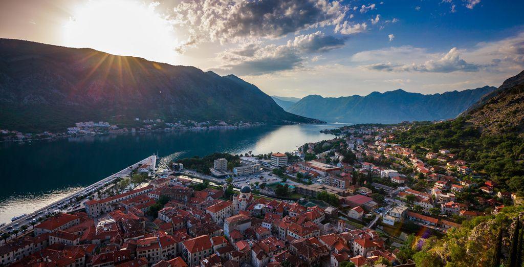 Choisissez de découvrir la vieille ville de Kotor...