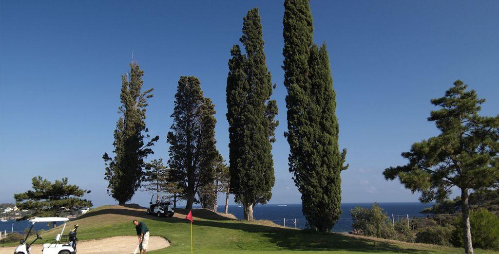 Essayez-vous au golf dans un superbe décor...