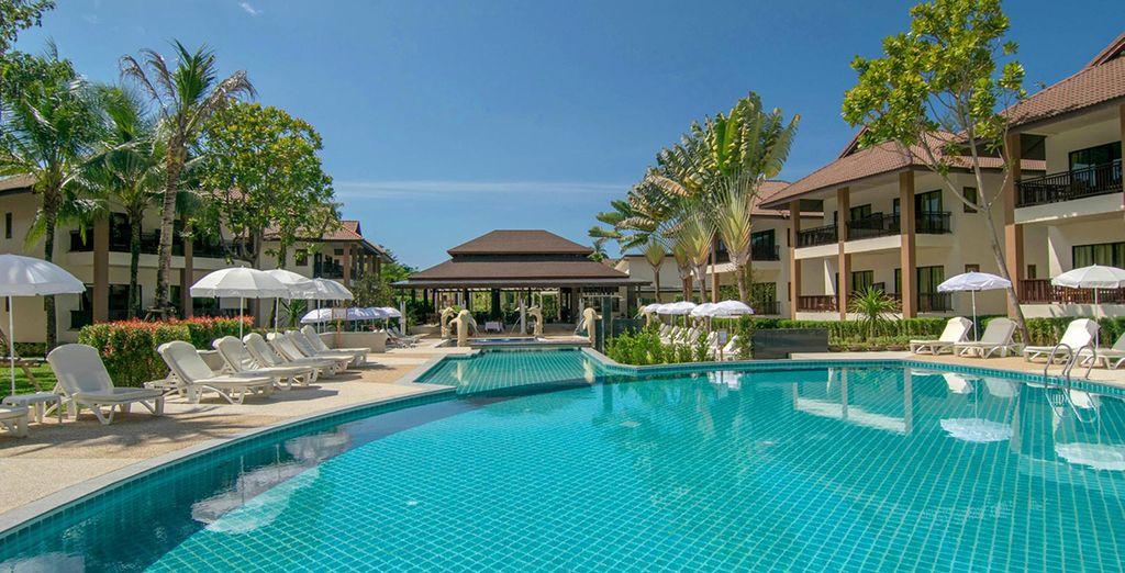 Ou préférez un séjour 100% détente à l'hôtel The Leaf Oceanside 4* à Khao Lak !