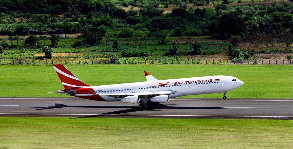 Pour rejoindre ce petit paradis terrestre, envolez-vous avec Air Mauritius
