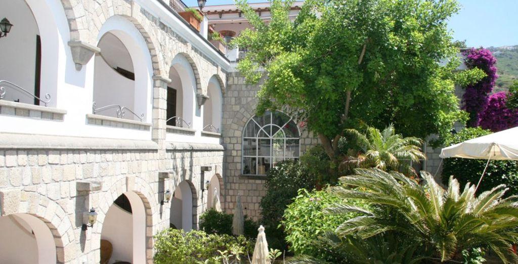 Pour rejoindre votre charmant petit hôtel d'Ischia