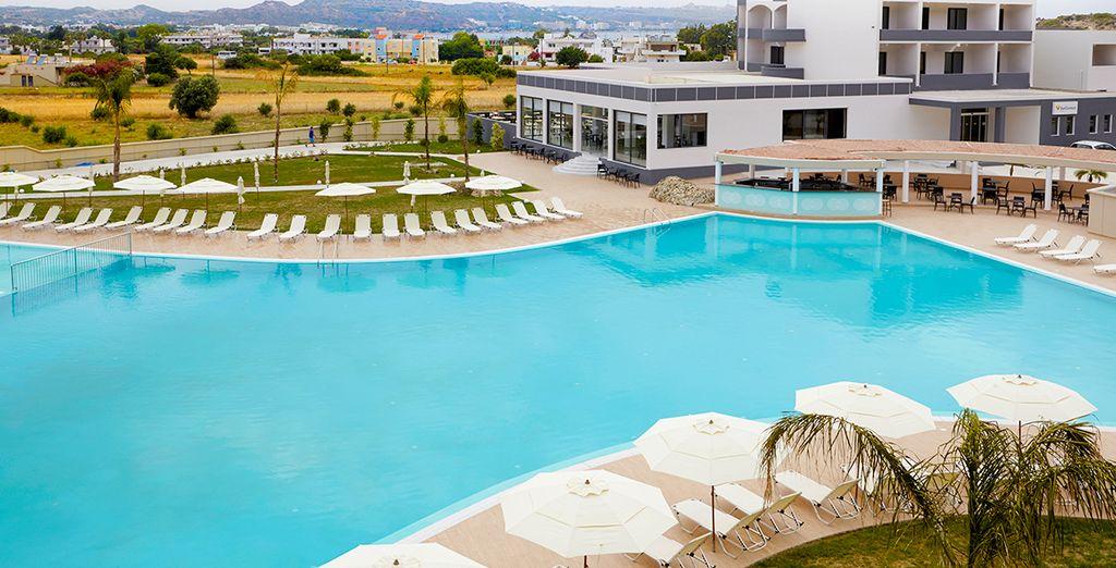 Et apprécierez vos pauses détente sur les bords de la piscine