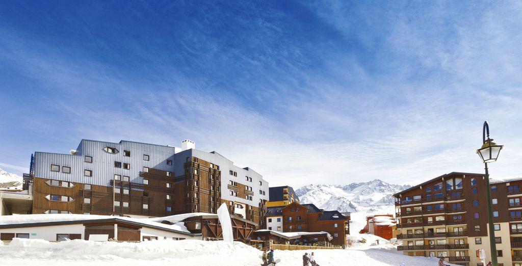 Vous serez au pied des pistes du plus grand domaine skiable, les 3 Vallées