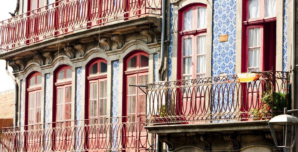 À commencer par le quartier de votre hôtel, le plus animé de la ville : le Ribeira