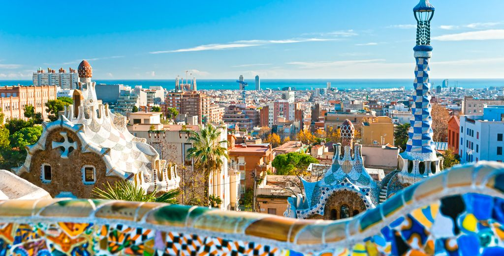 Et faire une halte à Barcelone située à seulement 30 kilomètres