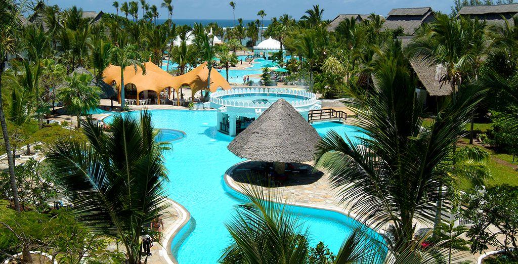 Vous attend l'hôtel Southern Palm Beach Resort 4*