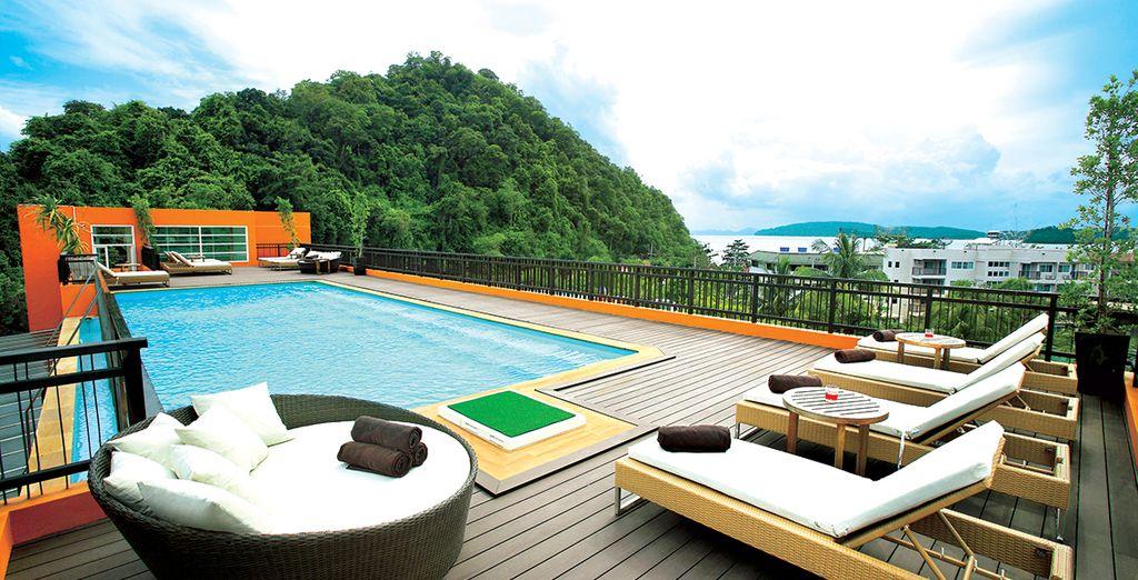 A Krabi, ambiance tendance et vue superbe seront au rendez-vous depuis le toit-terrasse
