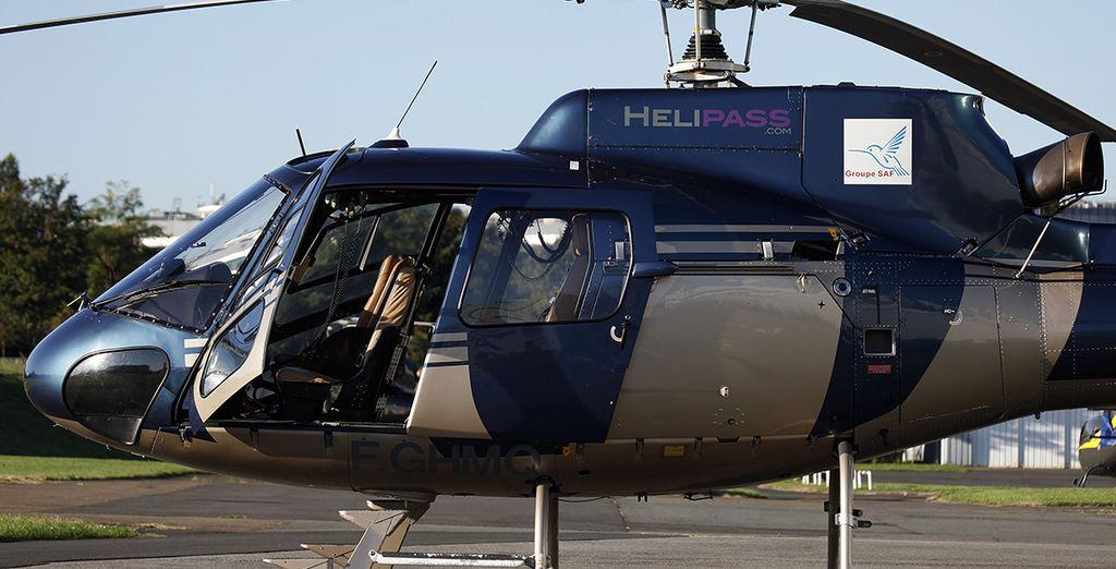 En prenant de la hauteur grâce au survol en hélicoptère en option