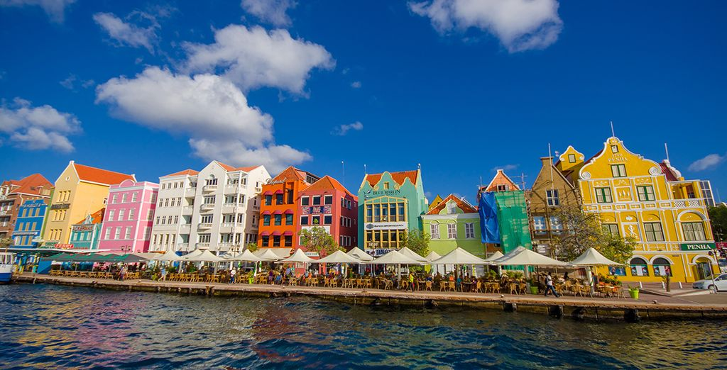 Enfin, partez à la découverte de Willemstrad, la capitale de Curaçao