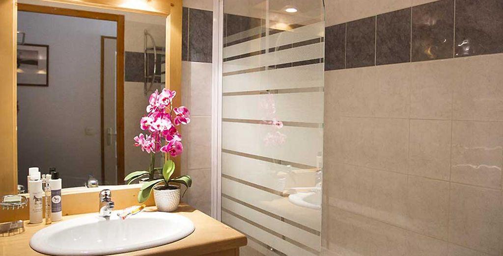 Jusque dans la salle de bain, vous ne manquerez de rien !