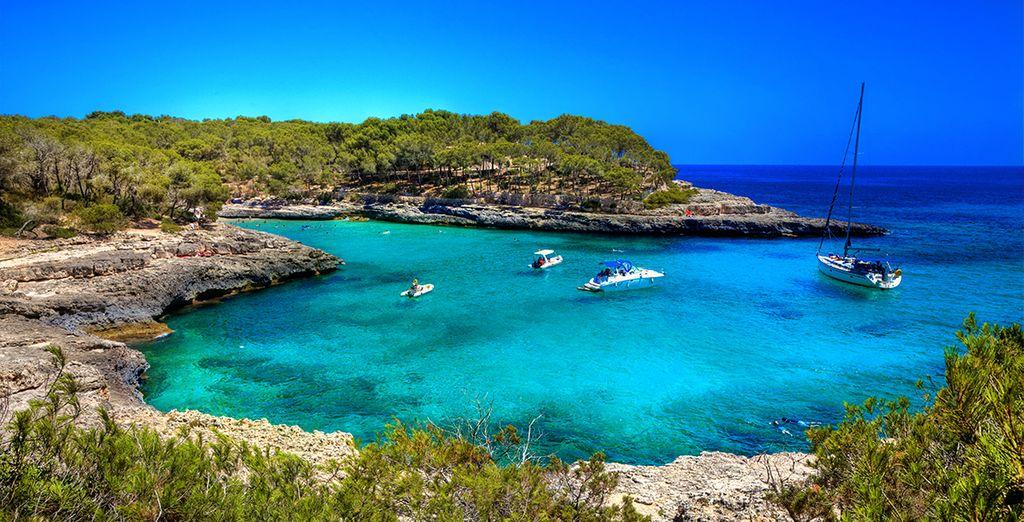 Côtes rocheuses et eaux turquoises de Majorque