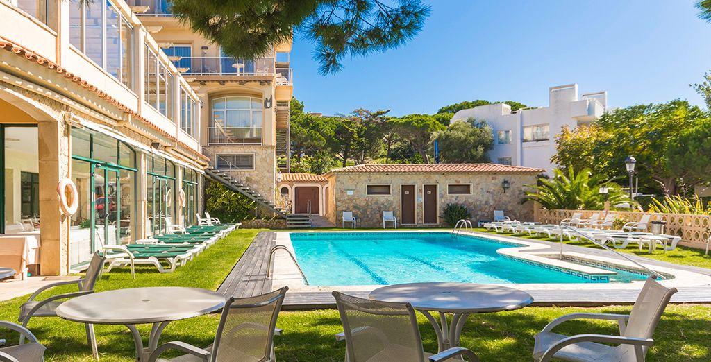 Hôtel haut de gamme en Espagne au cœur de la ville de Sant Feliu de Guixols, à proximité de toutes activités