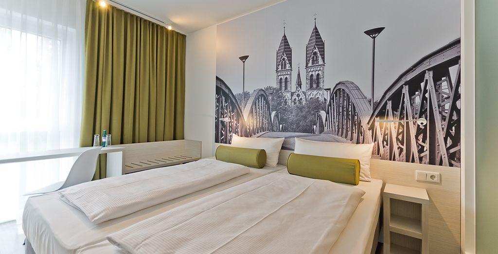 Super 8 Freiburg et ses chambres tout confort avec lit double, à proximité de la Forêt-Noire