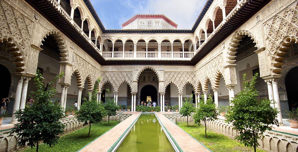 Et son magnifique palais de l'Alcazar