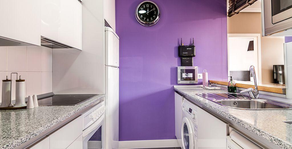 Une cuisine design et entièrement équipée