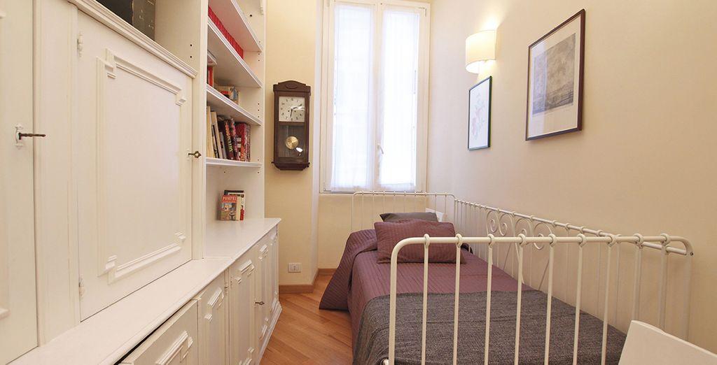 La troisième chambre avec un lit simple