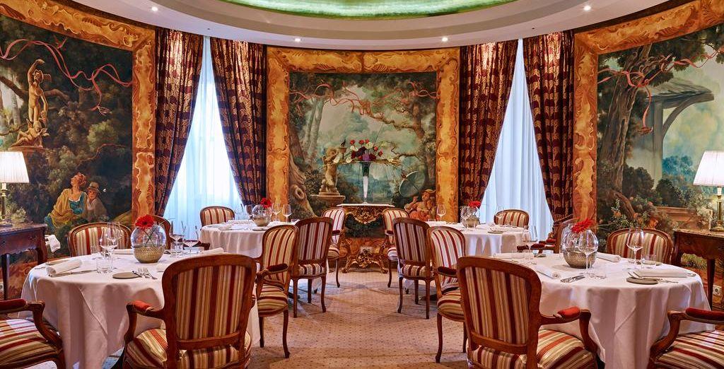 Pour vos repas, dirigez-vous dans l'un des nombreux restaurants de l'hôtel