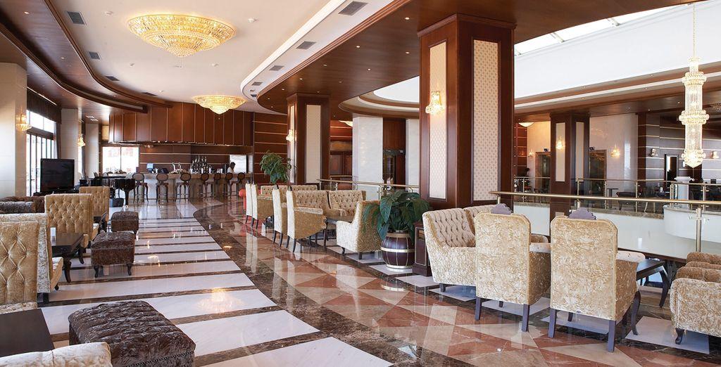 Vous aurez le plaisir de pouvoir prendre un verre au bar de l'hôtel...