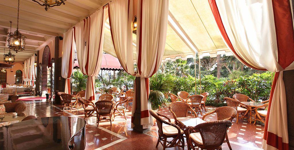 Restaurant gastronomique aux Canaries et espace détente au coeur de l'hôtel