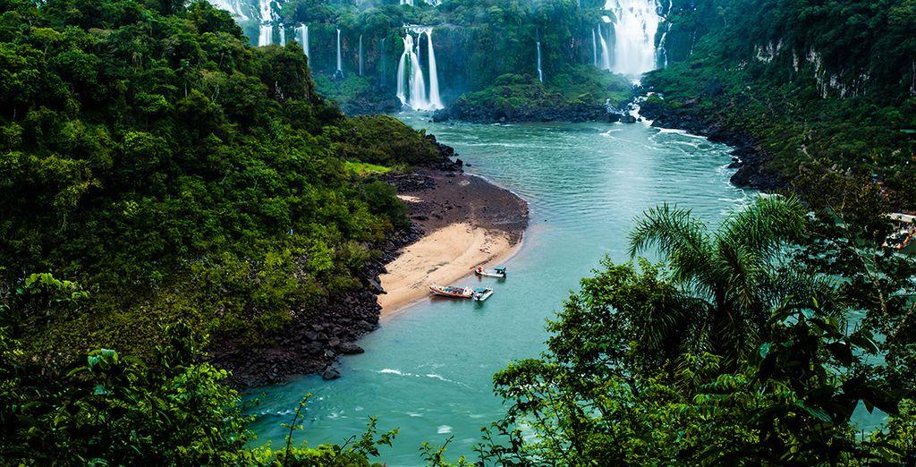 Vous découvrirez les chutes d'Iguazu qui vous laisseront sans voix