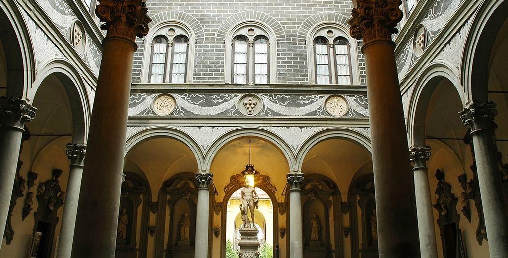 Monuments historiques, collines Toscanes et toits pittoresques n'auront plus de secrets pour vous