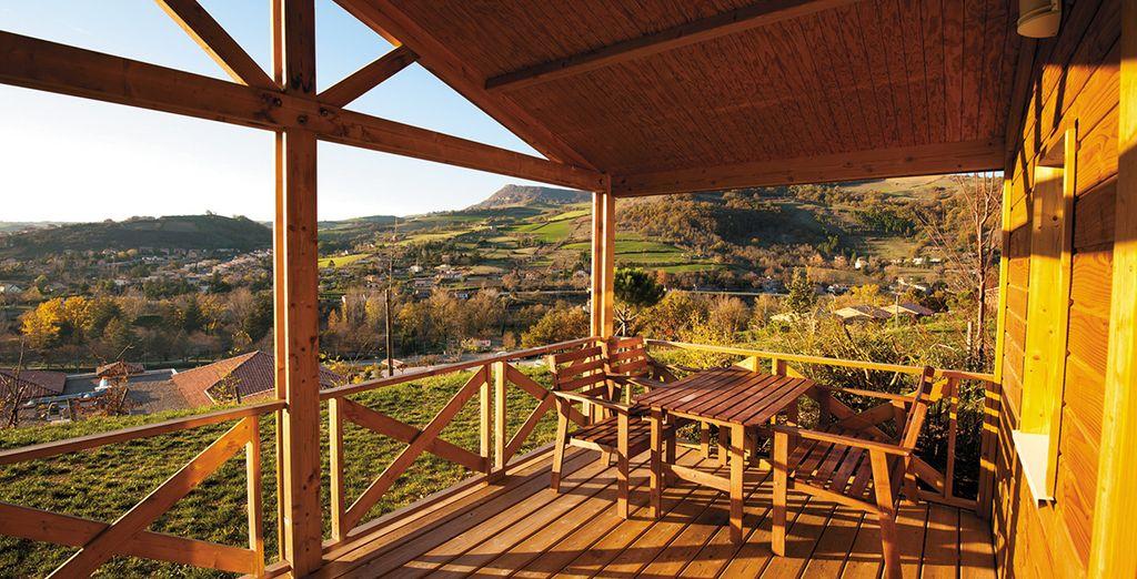 Quel que soit votre choix, une vue unique vous attend depuis votre terrasse. De jour...
