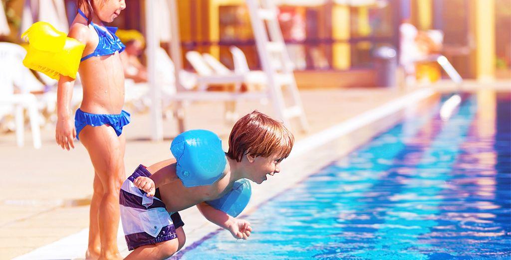 Pendant que les plus petits apprécient pleinement leurs vacances