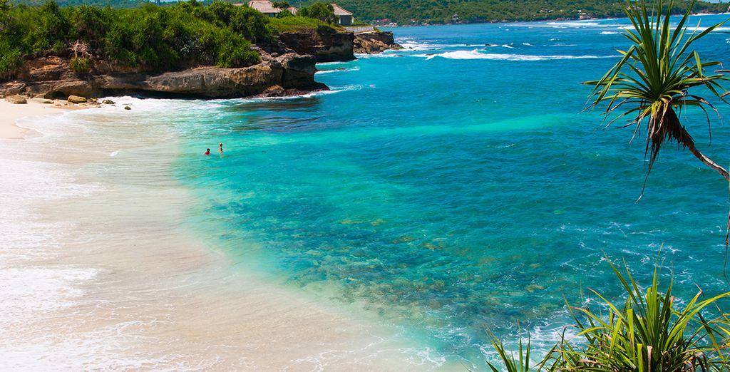 Plages de sable fin au cœur de Bali et eaux turquoise