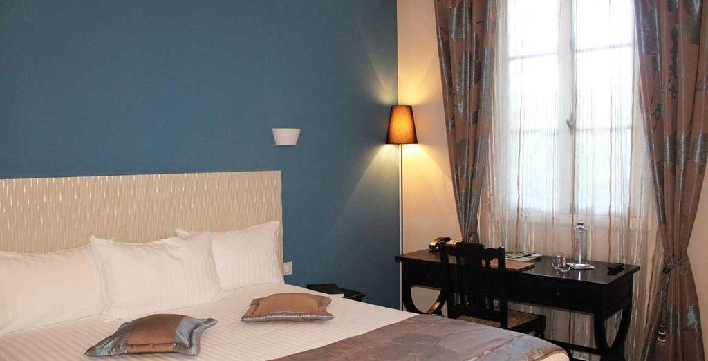 Où une chambre lumineuses et pourvue de tout le confort et les équipements nécessaires vous attend...