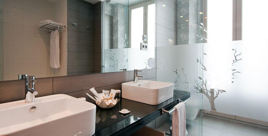 Et sa belle salle de bains, spacieuse et équipée !
