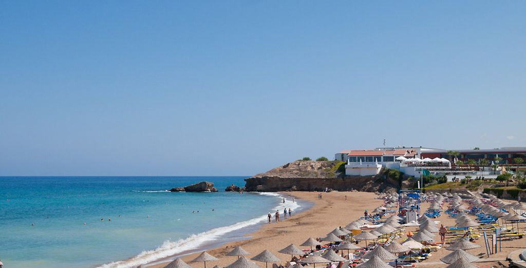 Découvrez l'hôtel Acapulco Resort & Casino, sa plage privée