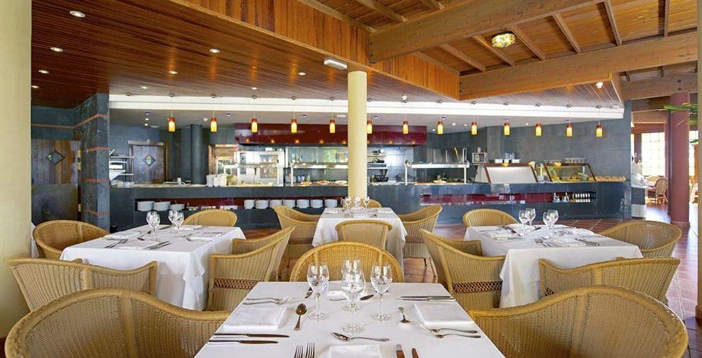 Profitez des nombreux restaurants à disposition pour prendre vos repas