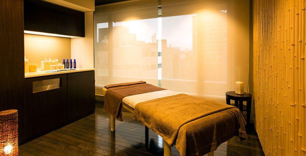 Hôtel de luxe avec salle de détente, massage et spa, au coeur de Tokyo