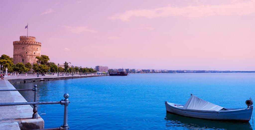 Et admirez un coucher de soleil sur le port... Bon séjour !