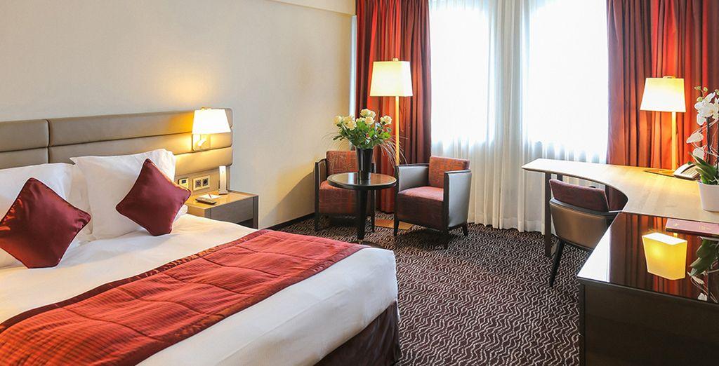 Hôtel de luxe cinq étoiles avec chambre doubles tout confort