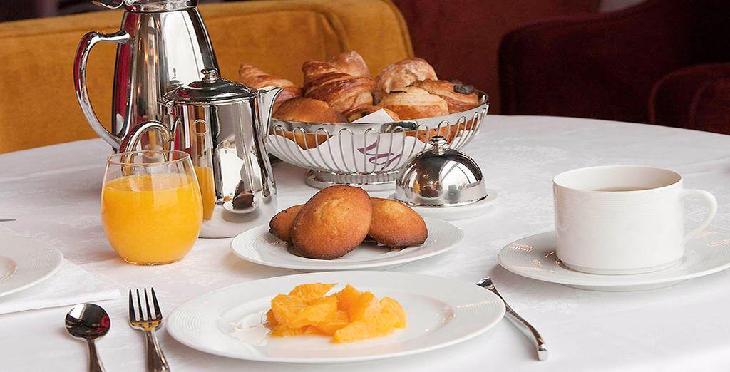 Tous les matins pour un succulent petit déjeuner buffet...