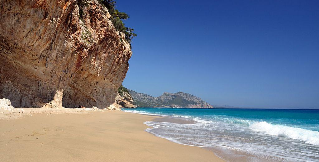 Et accordez-vous des moments de détente sur les splendides plages de la région