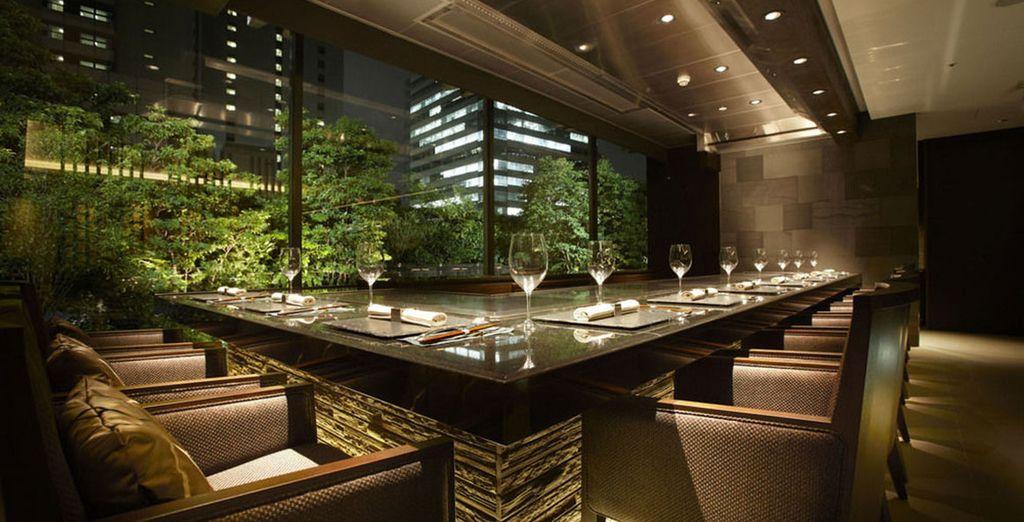 Hôtel haut de gamme avec restaurant gastronomique et vue sur Tokyo